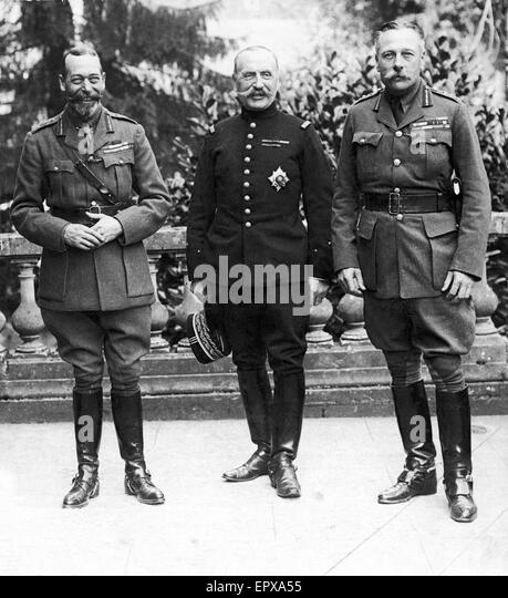 HM King George V, General Ferdinand Foch and Sir Douglas Haig on the balustraded terrace of General Haig's headquarters - Stock Image