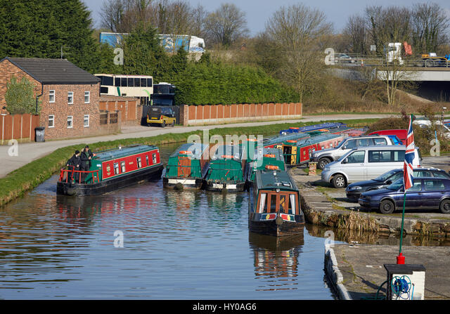 Canal Side Business Stock Photos Amp Canal Side Business