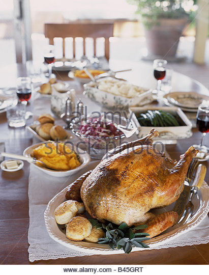 Roast turkey with accompaniments for Thanksgiving (1) - Stock Image