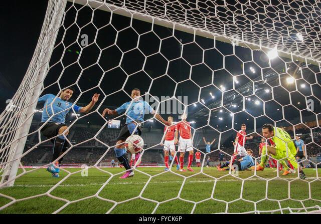 Alvaro Pereira, No. 6 Uruguay, scoring a goal in a friendly soccer game between Austria and Uruguay, Wörthersee - Stock Image