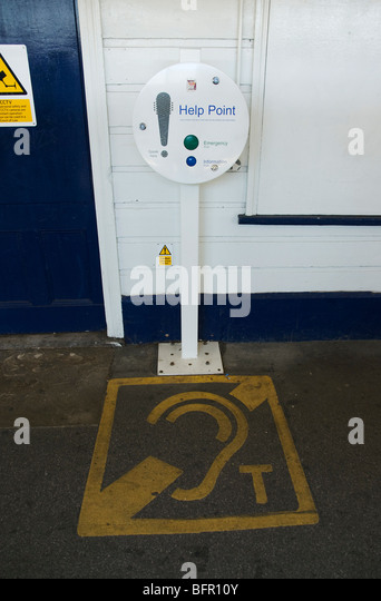 Help point at Mortlake station, South West Trains - Stock Image