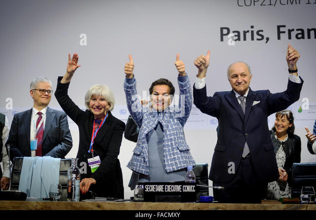 French Foreign Minister Laurent Fabius  right, joins United Nations climate chief Christiana Figuere, center, and - Stock Image