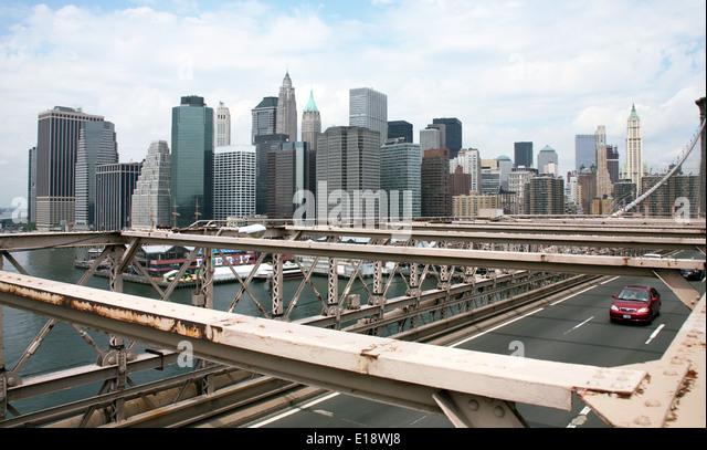 USA, New York, Architektur. Brookly Bridge und Wolkenkratzer - Stock-Bilder