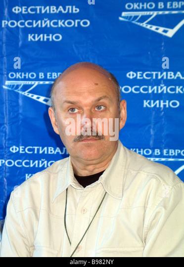 Film director and script writer Sergei Ovcharov films Nebyvalshchina It Barabaniada - Stock Image