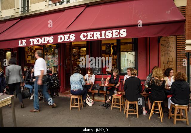 Paris le temps stock photos paris le temps stock images alamy - Restaurant buttes aux cailles ...