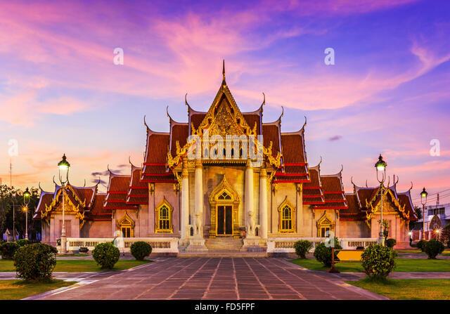 Bangkok, Thailand. The Marble Temple, Wat Benchamabopit Dusitvanaram at sunset. - Stock Image