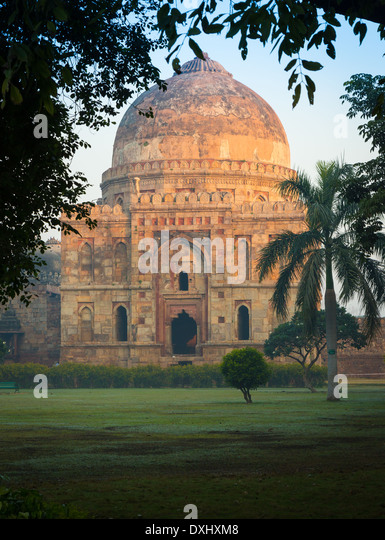 Bara Gumbad in Lodi Gardens, New Delhi, India - Stock-Bilder