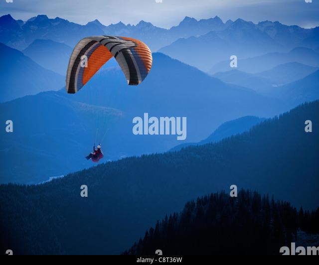 DE - BAVARIA: Hang Glider above alpine landscape - Stock Image