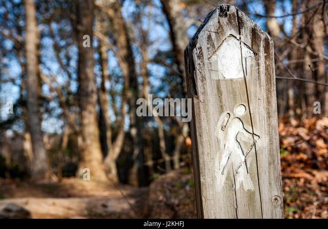 Trail Marker near Chestnut Cove Overlook, Blue Ridge Parkway, near Asheville, North Carolina, USA - Stock Image