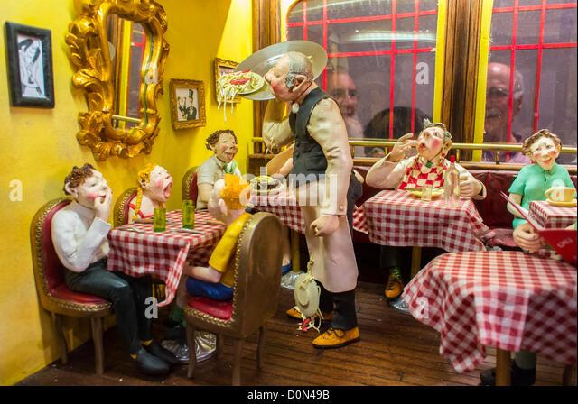 Lais stock photos lais stock images alamy - Salon des arts creatifs paris ...
