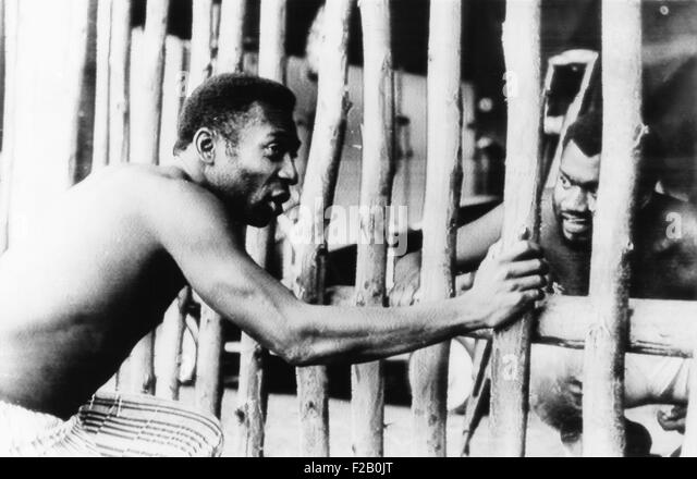 Brazilian Soccer superstar Pele, in the 1971 movie A MARCHA produced by Oswaldo Sampaio. Pele played the part of - Stock-Bilder