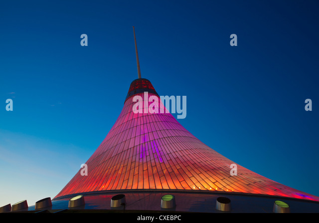 Khan Shatyr shopping and entertainment center at night, Astana, Kazakhstan, Central Asia, Asia - Stock-Bilder