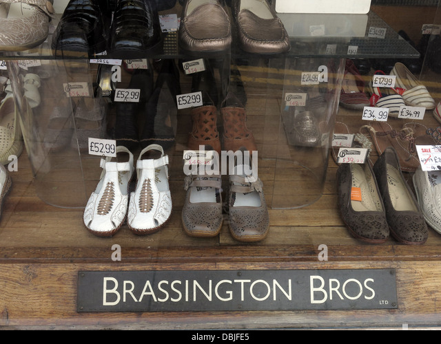 Brassington Brothers a traditional shoe shop in Longton , Stoke-on-trent, Staffordshire, England, UK - Stock Image