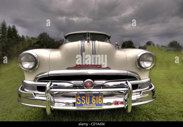 White Pontiac American Classic Car / Automobile SSU616 SSU 616 'SSU 616' - Stock Image