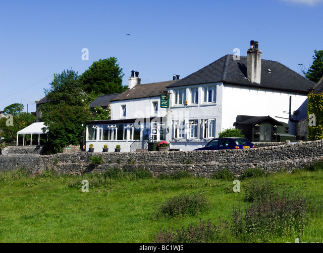 Lathkil Hotel, public house, in Over Haddon, Peak District, Derbyshire - Stock Image