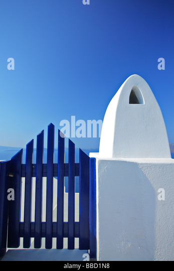 View of a wooden gate, oia village, Santorini Island, Greece - Stock Image