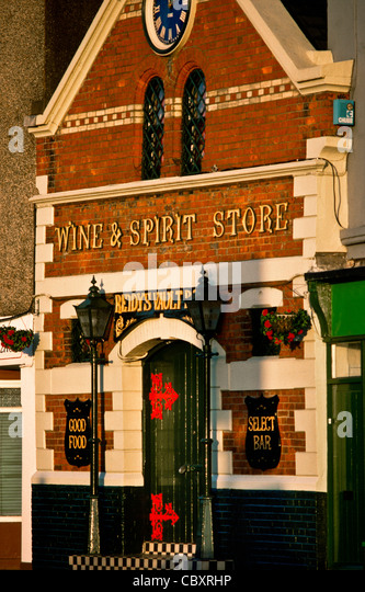 Wine & Spirit Store in Cork, Ireland - Stock Image