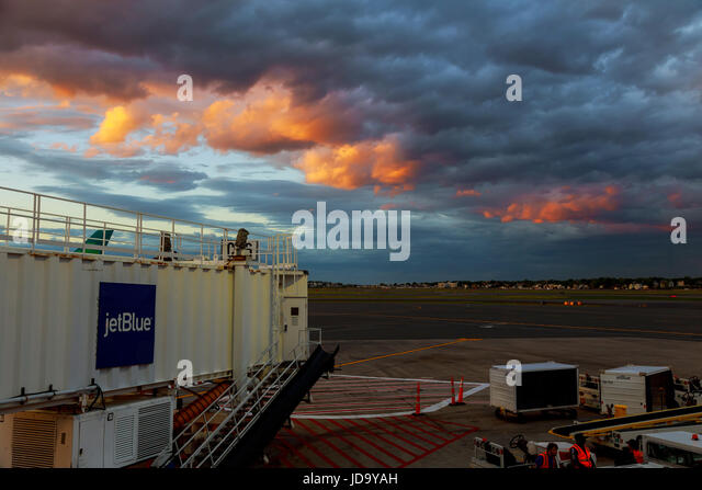 BOSTON, USA - JUNE 07.17: Terminal A of Newark Liberty International Airport in New Jersey to aircraft of Continental - Stock Image