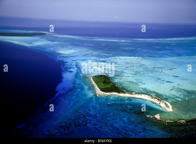 Aerial view, Half Moon Caye. - Stock Image