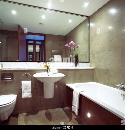 Hotel bathrooms stock photos hotel bathrooms stock for Bathroom planner ireland