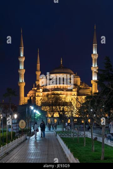 Istanbul, Turkey - April 16, 2017: Blue Mosque (Sultanahmet Camii) at night - Stock Image