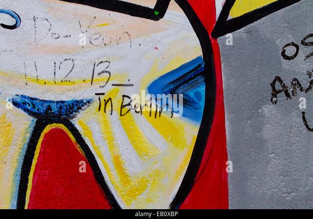 Enchanting Berlin Wall Art Pattern - Wall Art Design ...