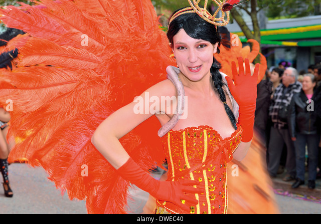 Portugal, Algarve: Girl during parade of the carnival parade of Loulé - Stock Image