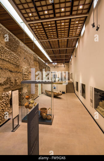 view of interior of Qala'at Al-Bahrain (Bahrain Fort) Site Museum, Bahrain - Stock Image