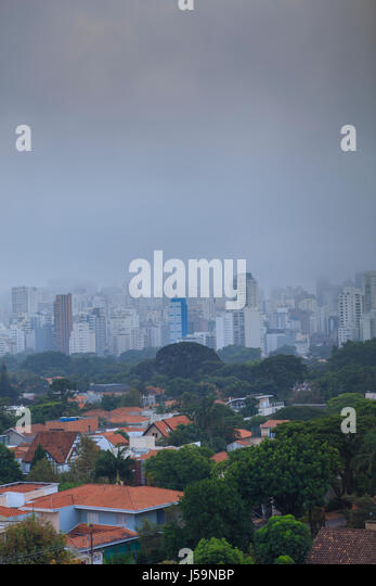 Avenida Paulista and Jardins neighbourhood in the rain - Stock Image