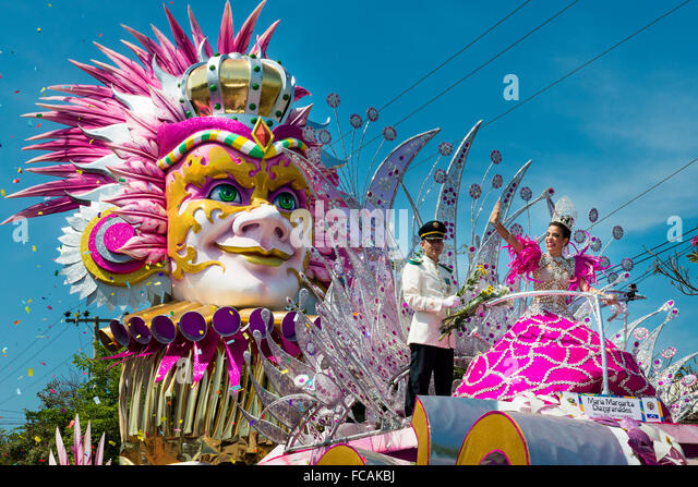 Barranquilla, Colombia - March 1, 2014: People at the carnival parades in the Carnival of Barranquilla, in Colombia. - Stock-Bilder