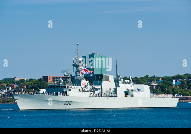 HMCS VILLE DE QUEBEC (FFH 332) in Halifax Harbour, Nova Scotia, Canada. - Stock Image