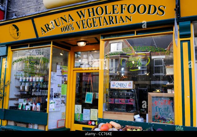 Arjuna Wholefoods Shop, Mill Road, Cambridge, England, UK - Stock Image