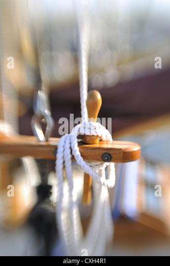 sailboat-rigging-lines-with-selective-fo