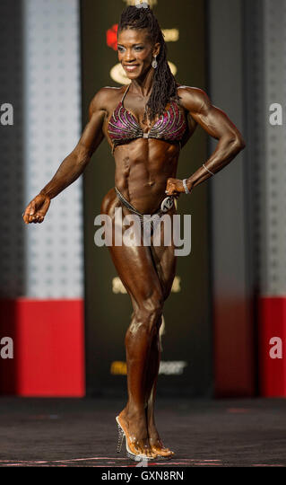 Las Vegas, Nevada, USA. 16th Sep, 2016. CAROLYN HUDSON HARRIS competes in the Figure Olympia contest during Joe - Stock Image