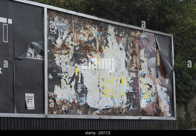 Bare advertising hoarding / billboard - metaphor for 'watch this space' and 'stay informed' concept. - Stock Image