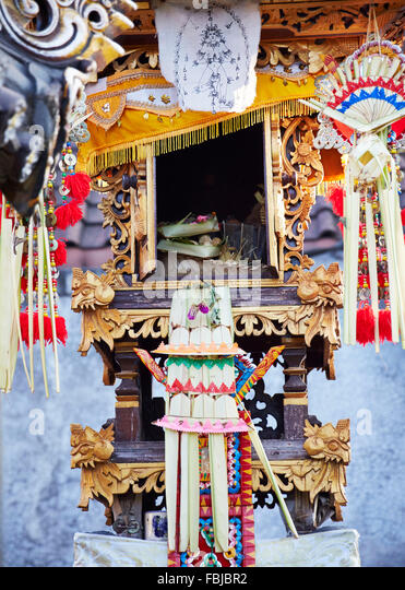 Offerings, house temple of the family, close-up, reportage, traditional wedding, Bali, Indonesia, Asia - Stock Image