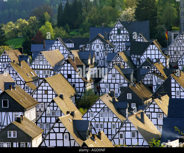 DE - NORTH-RHINE-WESTPHALIA:   Picturesque village of Freudenberg - Stock-Bilder
