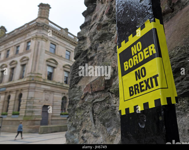 No Border,No Brexit Sticker, Londonderry city Northern Ireland - Stock Image