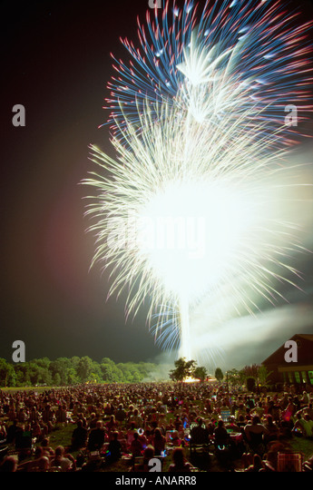 New Jersey Florham Park July 4th Fourth fireworks crowd Independence Day audience - Stock Image