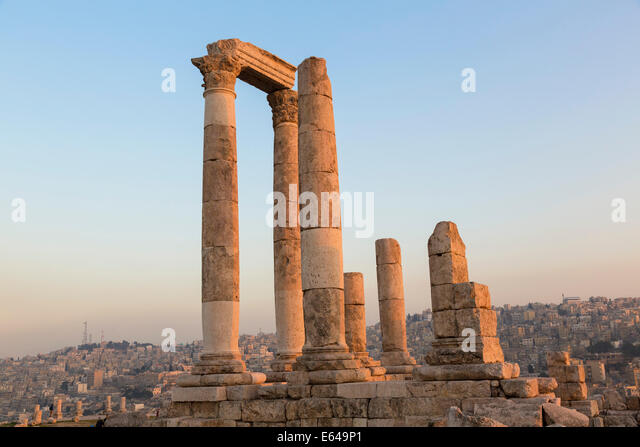 Remains of the Temple of Hercules on the Citadel, Amman, Jordan - Stock Image