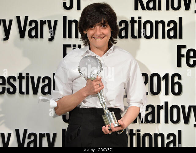 Karlovy Vary, Czech Republic. 09th July, 2016. Georgian director Russudan Glurjidze received award for the film - Stock-Bilder