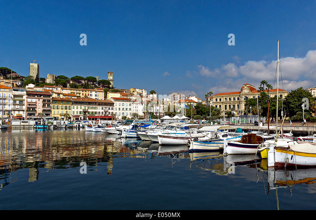 Europe, France, Alpes-Maritimes, Cannes. The old town and the old port. - Stock Image