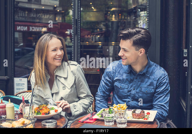 Paris, Couple dating at the restaurant - Stock-Bilder