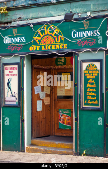 Irish Off Licence selling alcoholic drinks in Limerick, Republic of Ireland - Stock Image