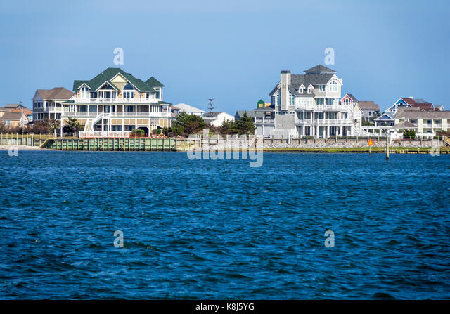 North Carolina NC Outer Banks Pamlico Sound Hatteras Island waterfront mansions houses - Stock Image