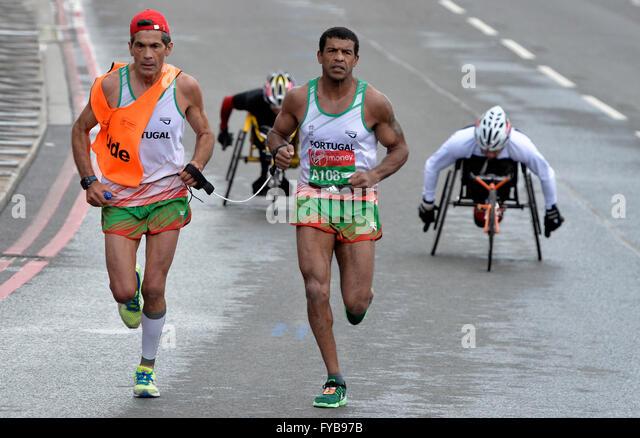 London, UK. 24th April, 2016. The Virgin London Marathon  The IPC competitors at Tower Bridge Credit:  Leo Mason - Stock Image
