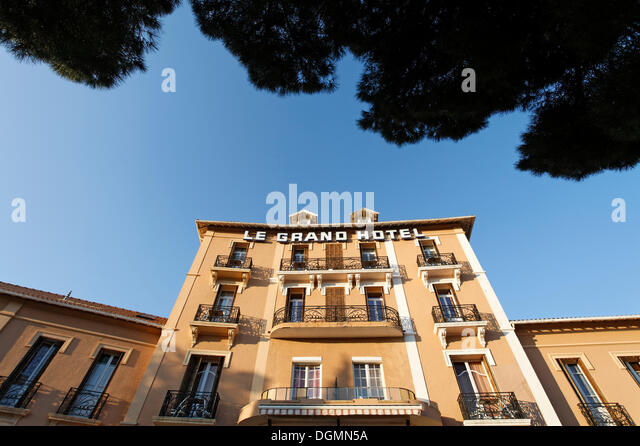 Le grand hotel stock photos le grand hotel stock images alamy - Bormes les mimosas hotel ...