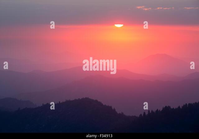 sunset over the Sierra Nevada from Moro Rock, Sequoia National Park, California, USA - Stock-Bilder
