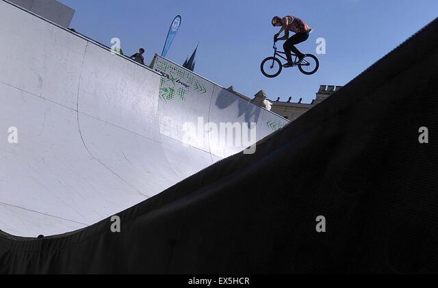 Telc, Czech Republic. 4th July, 2015. The Czech Republic Championship in Freestyle BMX, miniramp, took place in - Stock-Bilder