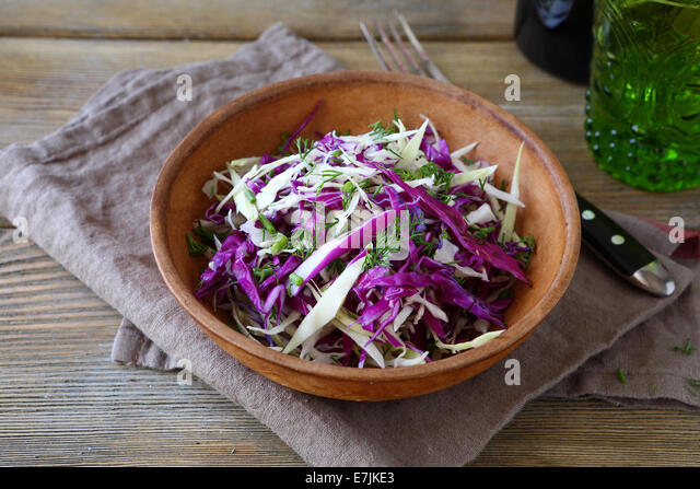 how to cut cabbage finely